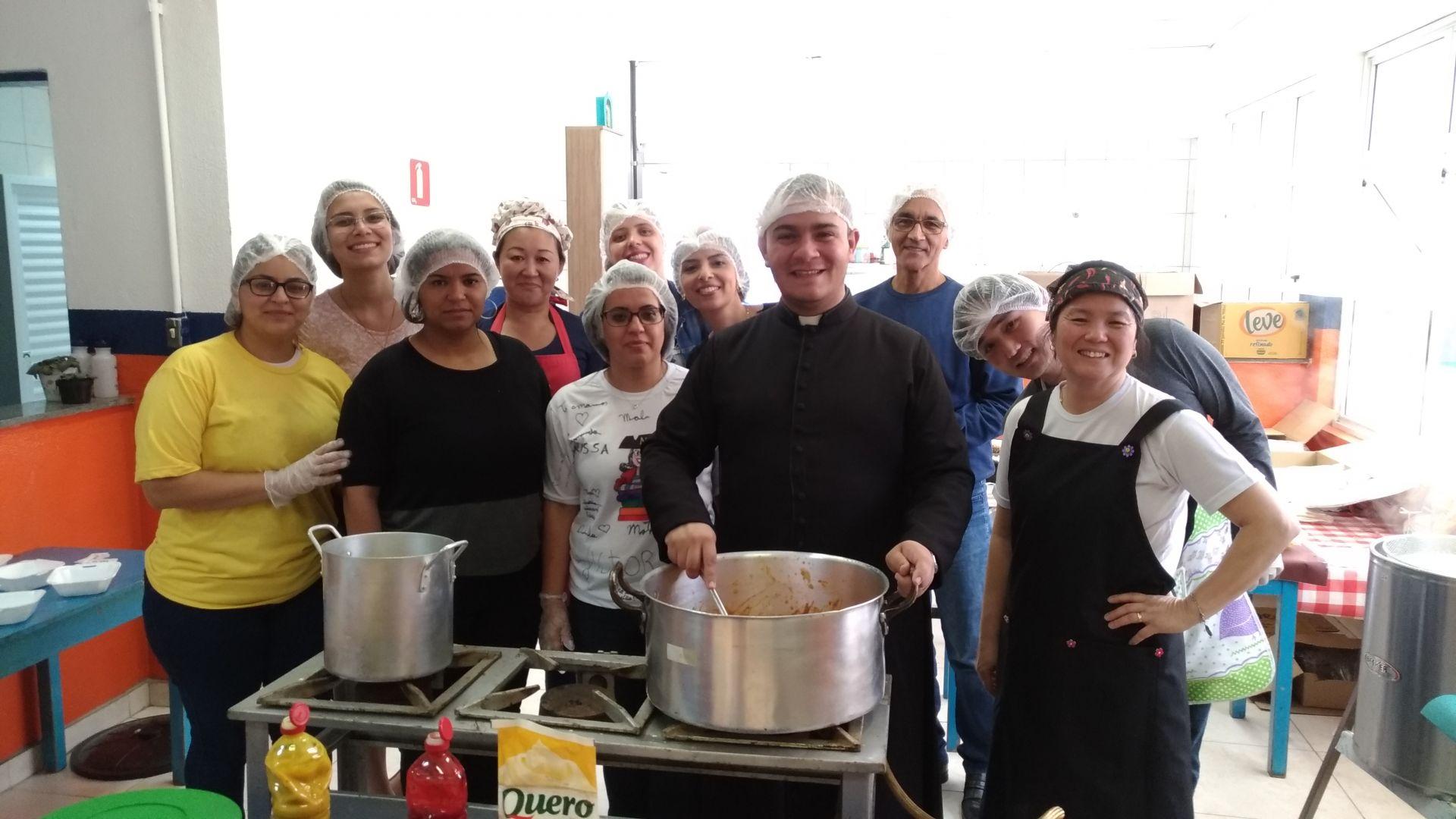 Equipe de Colaboradores do Colégio Diocesano Paulo VI  e Pais de alunos