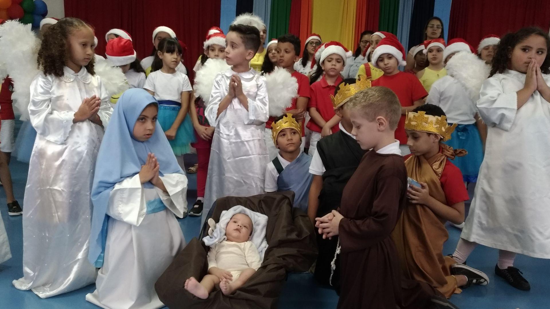 Apresentações dos alunos do Colégio Diocesano Paulo VI